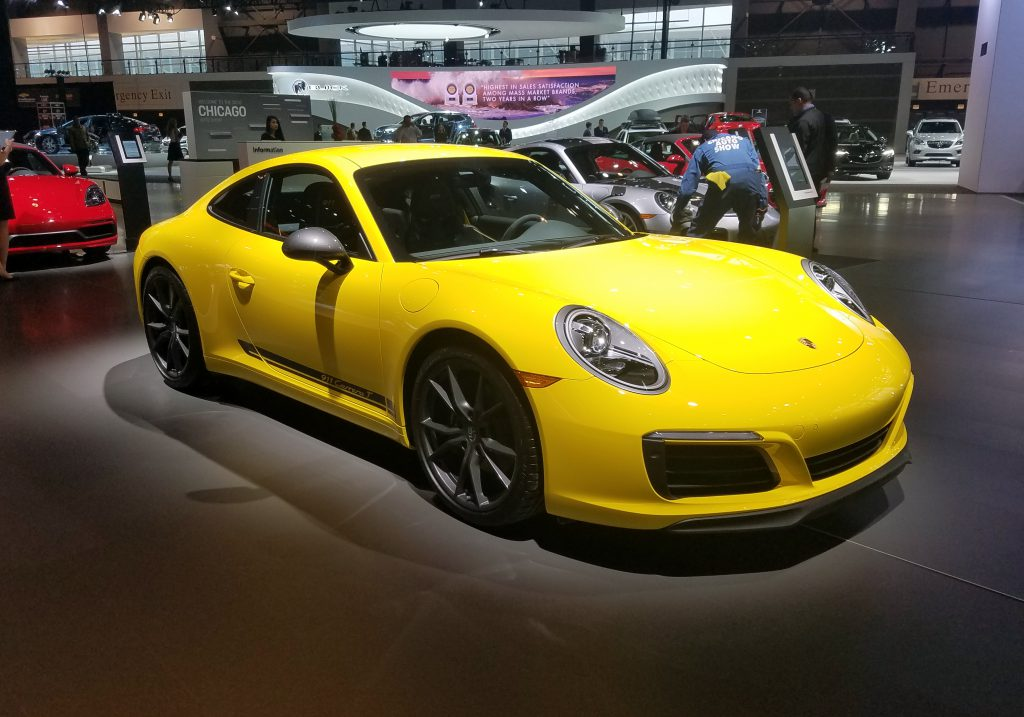 2018 Porsche 911 Carrera T in Racing Yellow