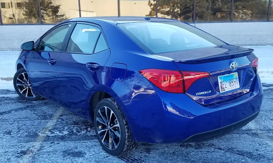 2018 Toyota Corolla SE, Blue Crush Metallic
