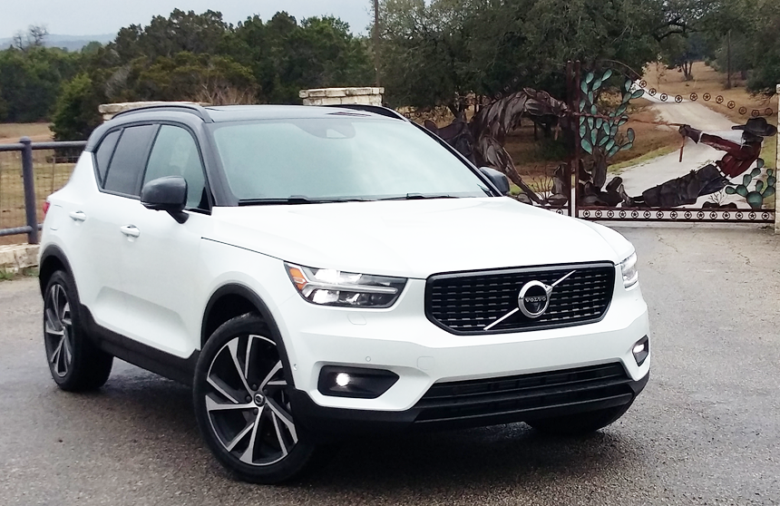 2019 Volvo XC40 The Daily Drive | Consumer Guide®