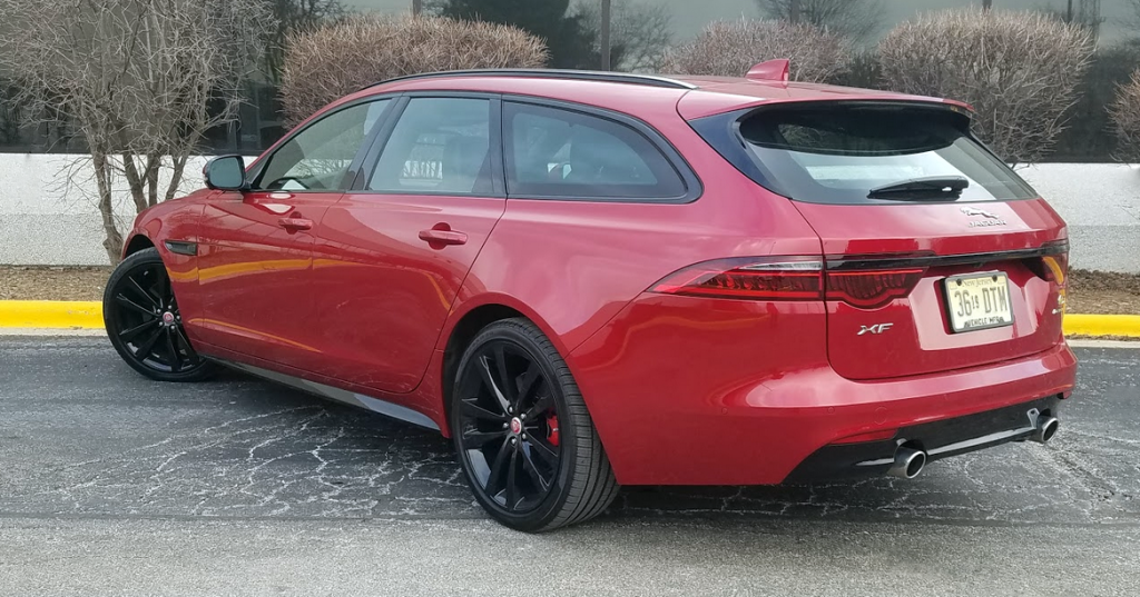 2018 Jaguar XF Sportbrake S AWD in Firenze Red
