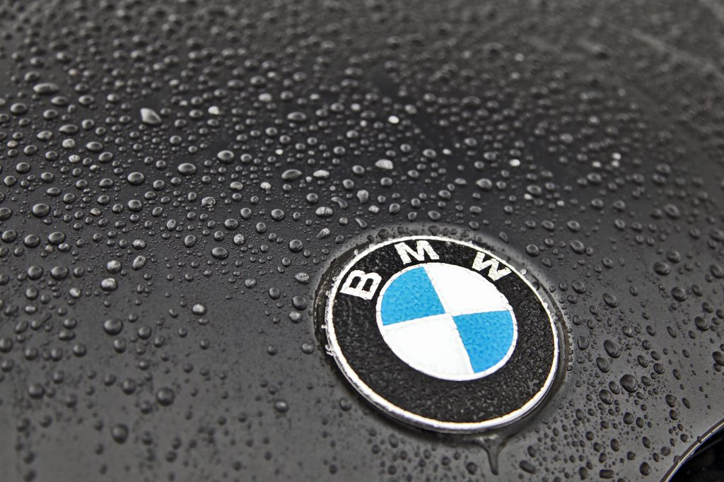 2019 BMW X4 Badge, Rain