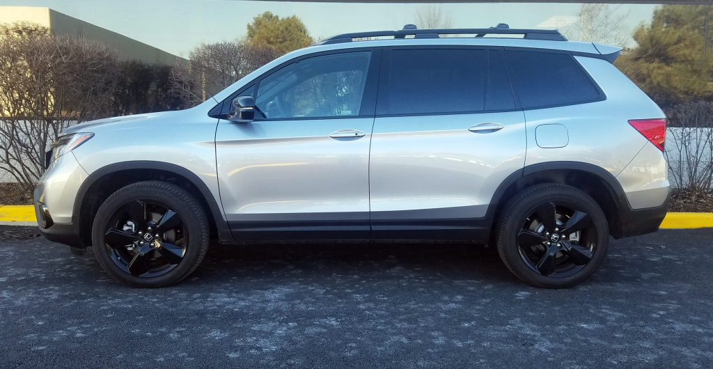 2019 Honda Passport in Lunar Silver