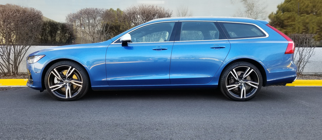 V90 in Bursting Blue