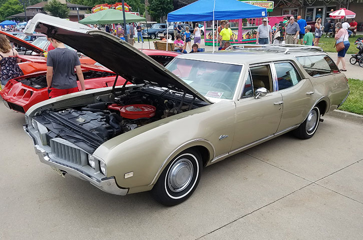 1969 Oldsmobile Cutlass station wagon