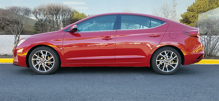 2019 Hyundai Elantra Limited in Red