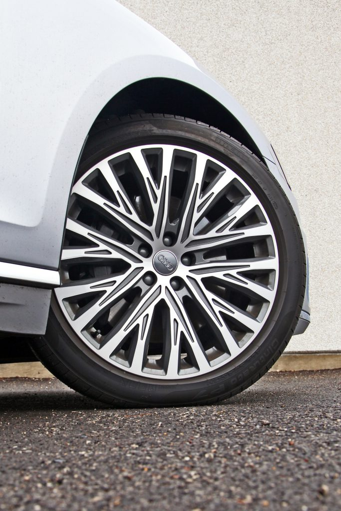 Audi A8L Turbine Wheels