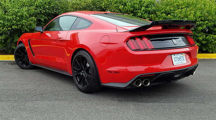 2019 Ford Shelby GT350 in Race Red