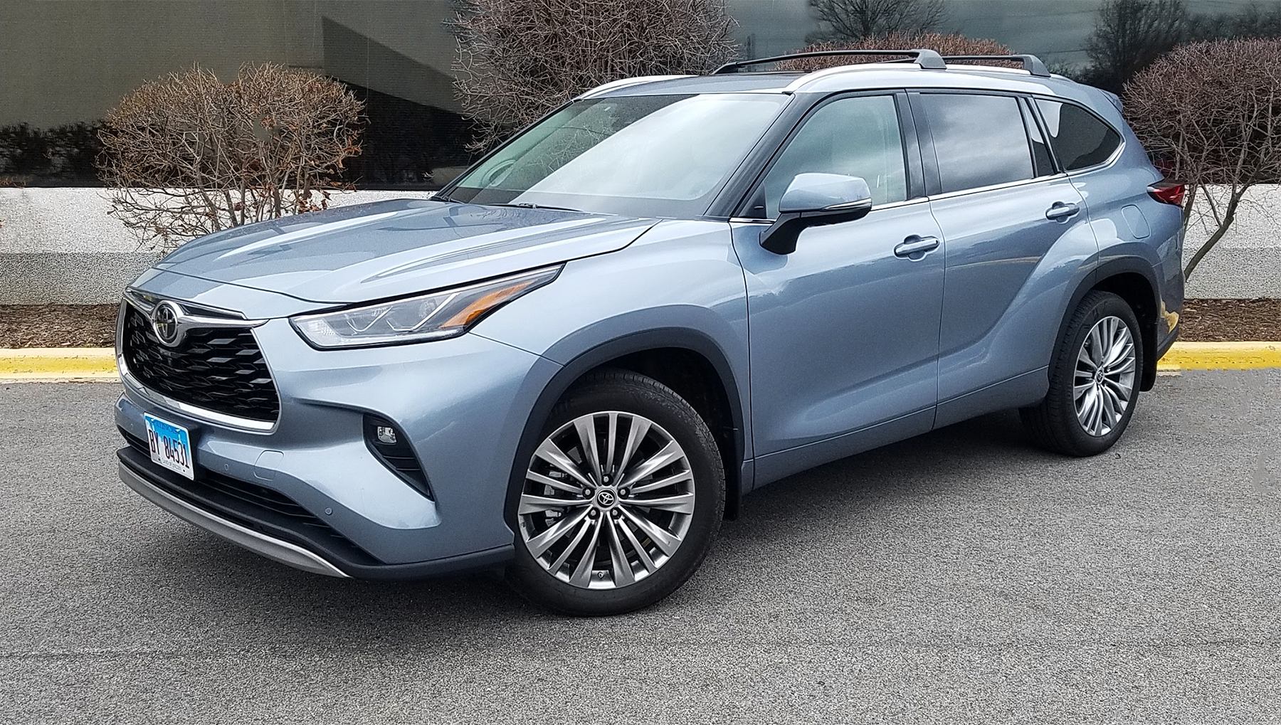 2020 Toyota Highlander Platinum, Moon Dust