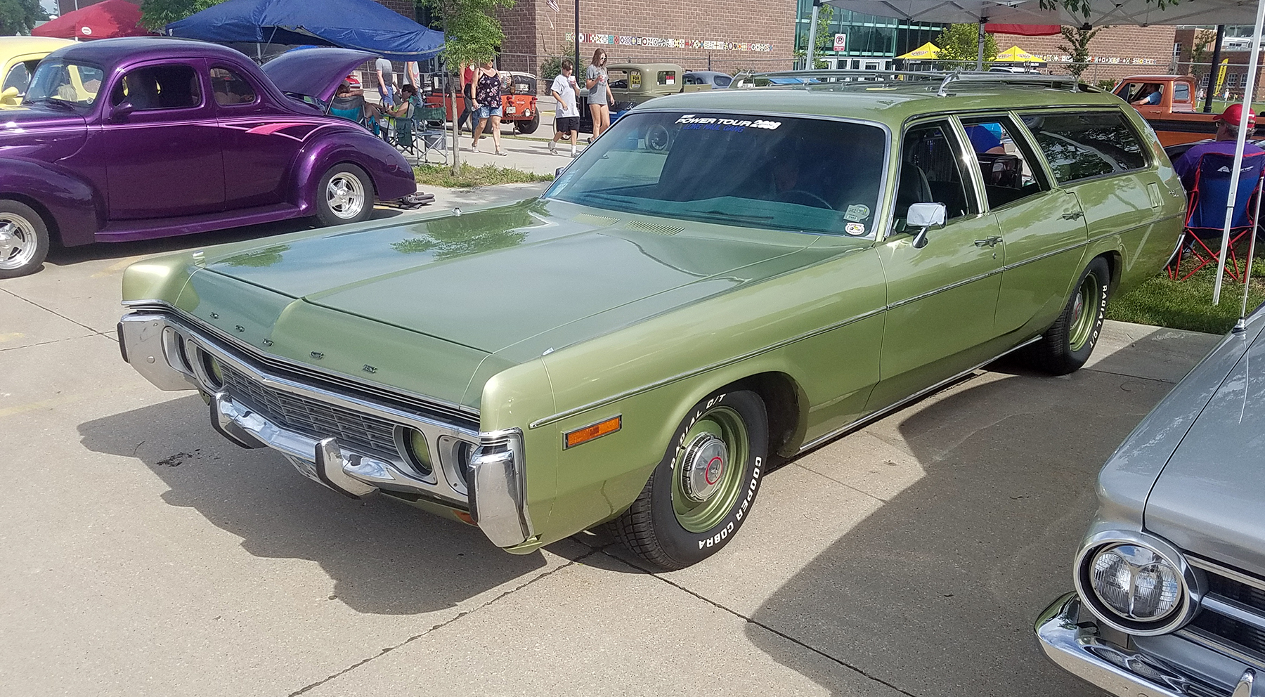 1972 Dodge Polara station wagon